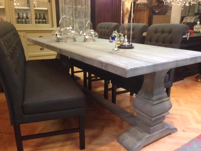 Stud tafel eigen fabricaat