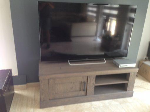 Stud TV kast