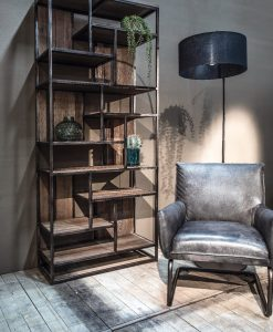 Barbour wandkast, oud hout